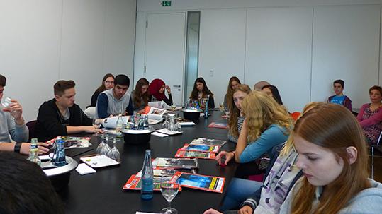 Die 9a besucht die spiegel online redaktion gymnasium for Redaktion spiegel